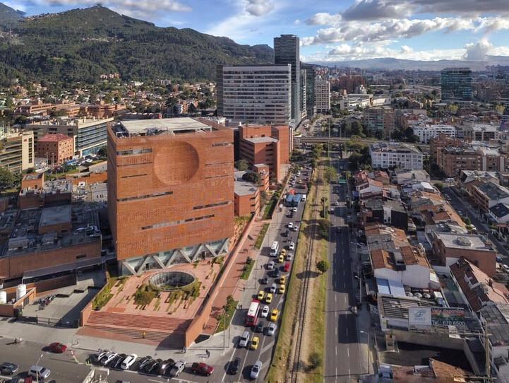 Fundación Santafé de Bogotá - El equipo Mazzanti