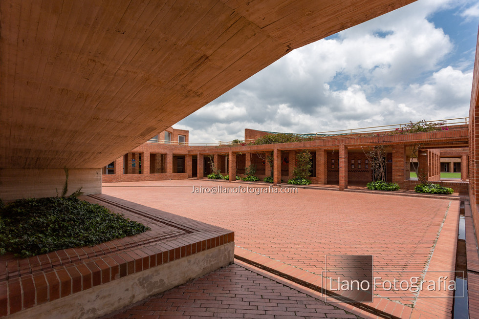 30Gimnasio Fontana - LlanoFotografia 4878
