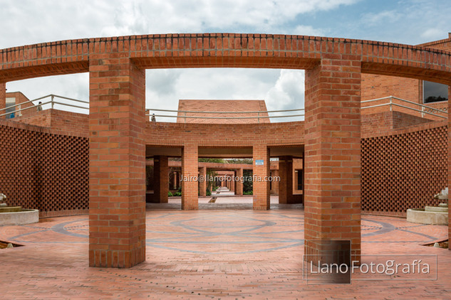08Gimnasio Fontana - LlanoFotografia 4784