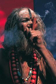 סגפן מעשן צילום