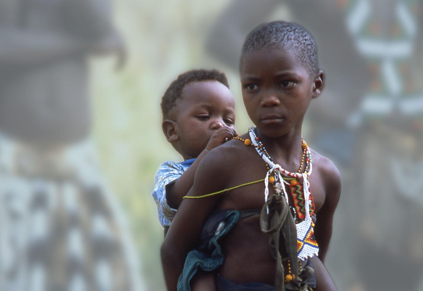 ברית מילה בגיל הנעורים (ועוד ללא הרדמה) - שבטי המסאי באפריקה