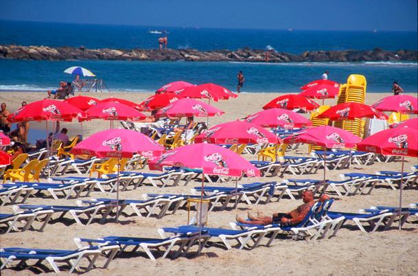 Tel-Aviv Beach.jpg