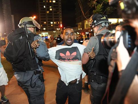המשטרה מואשמת ביד רכה על ההדק כלפי קהילת יוצאי אתיופיה