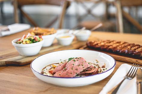 Seehaus Grill Luzern - Roastbeef und Spare Ribs mit Beilagen