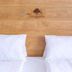 Bett im Seehotel Kastanienbaum
