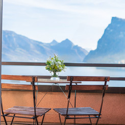 Balkon mit Sicht auf den Vierwaldstättersee