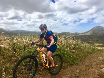 Bikerin in Kap Verde mit TrailTravel