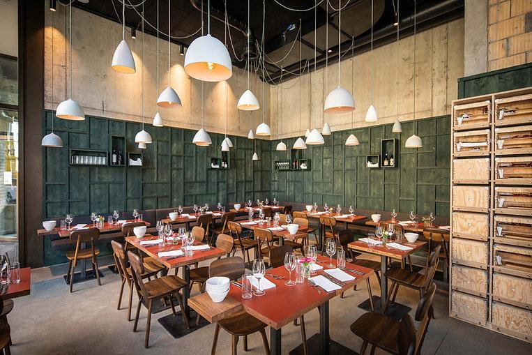 Innenansicht Restaurant Zur Werkstatt an der Gleistribüne Zürich
