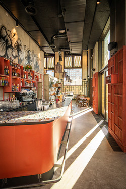 Blick zur Bar der Stadtkäserei und Restaurant