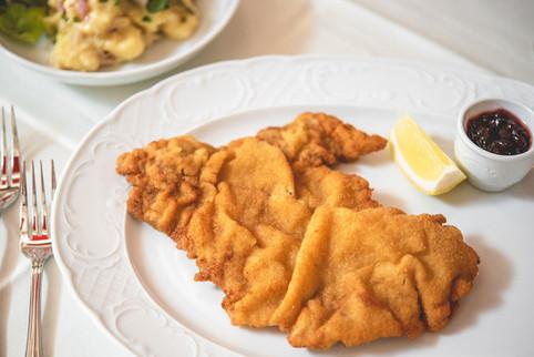 Wiener Schnitzel im Restaurant Franz Luzern