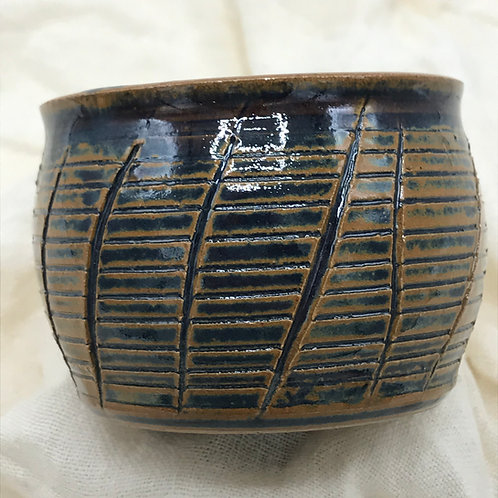 Linear Whiskey Cup