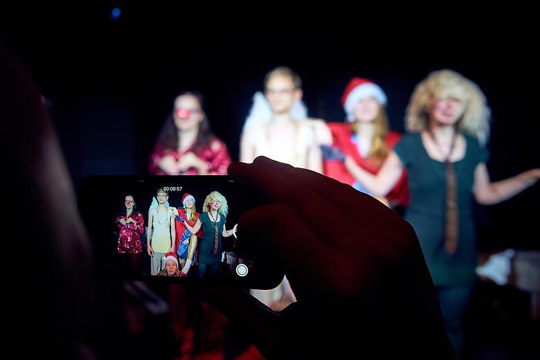 Der exzentrische Weihnachtsmann II. Regie: Nora Otte.
