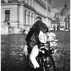 streetfotografie-wolfenbuettel-mann-auf-fahrrad