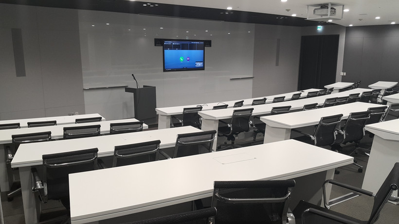 Midsize  conference room 3.jpg