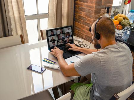Home office: os prós e contras de trabalhar em casa.
