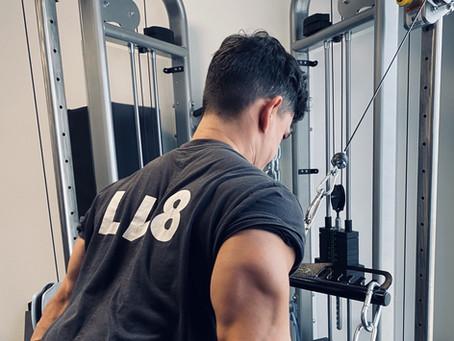 Wie Krafttraining helfen kann, Körperfett zu reduzieren