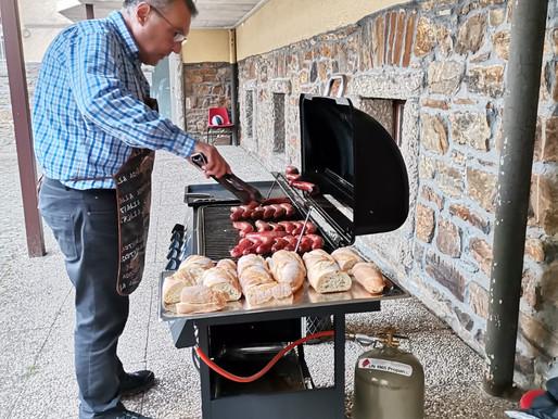 Los argentinos celebran en Schoenstatt- Alemania con empanadas y chorizos típicos del país.