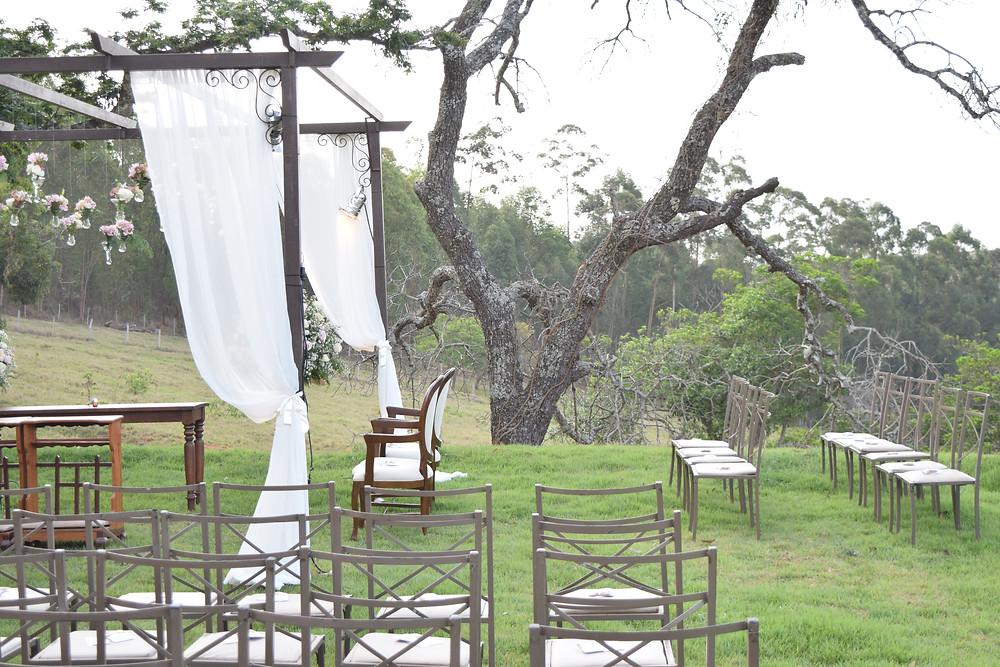 vantagens de realizar a cerimonia e a festa de casamento no mesmo lugar