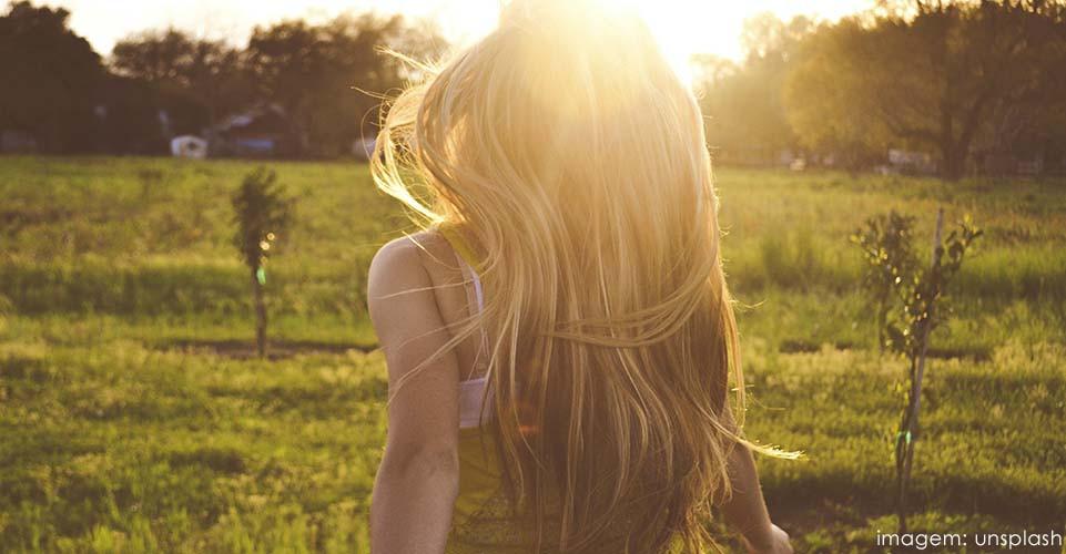 Como parar de sofrer: O truque para se curar do sofrimento, eu acho, é decidir que a dor valeu a pena. Frase de Aella