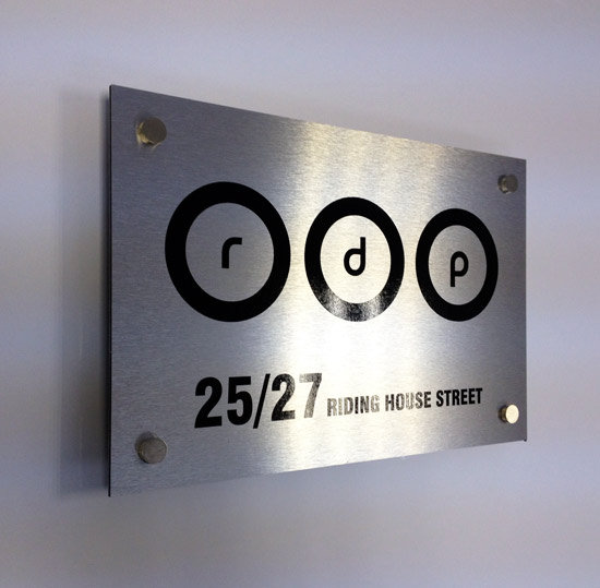 3mm Alupanel signs ( silver brush )