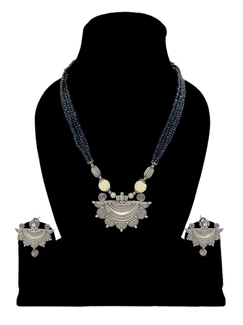 Arila necklace set