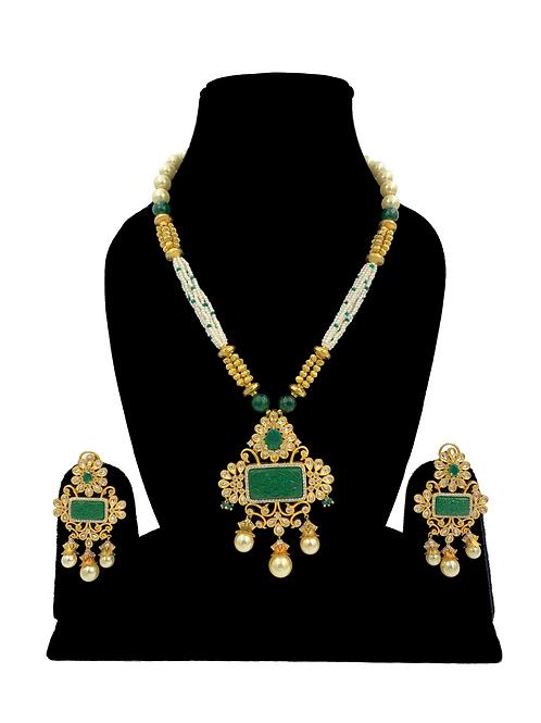 Nirvi necklace set
