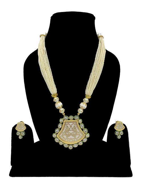 Thewa necklace set