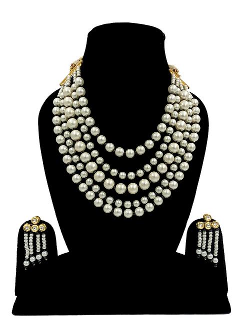 Akira necklace set