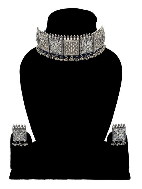 Arina necklace set