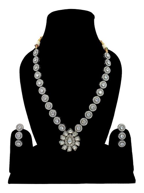 Amira necklace set