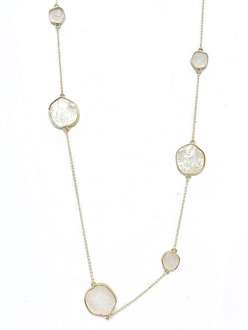 Gold Assymetric Pearlized Necklace