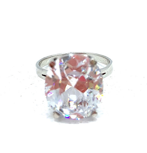 Large Oval Solitaire