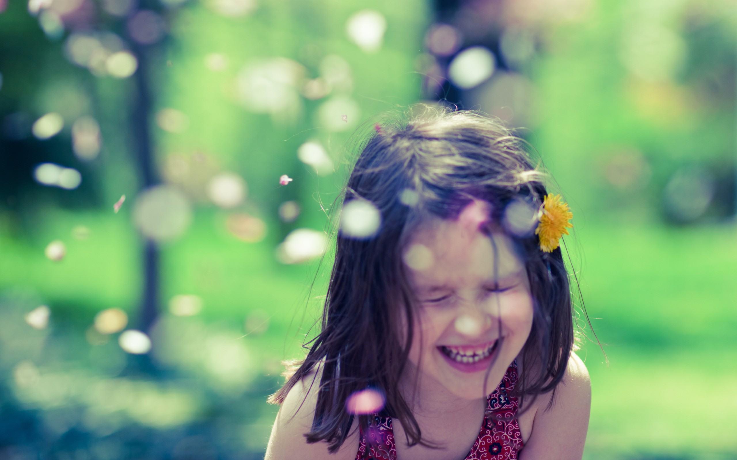 180749_Women-Kids-People-Smiling_2560x1600