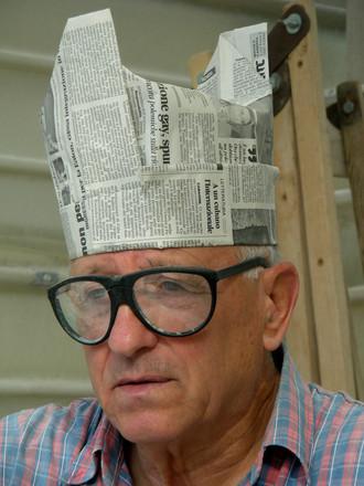 uomo con capello