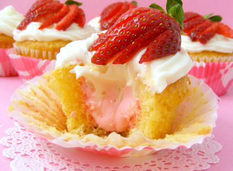 Strawberry Fluff Cakes
