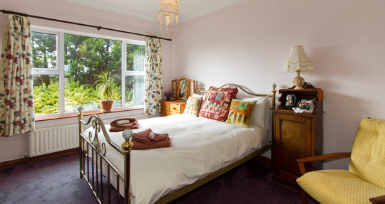 rise&shine_0011_double_room_image_two.jpg