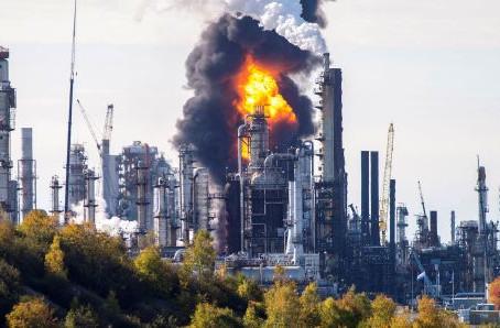 Một sự cố nghiêm trọng đã được xác nhận tại nhà máy lọc dầu lớn nhất tại Canada sau báo cáo về vụ nổ
