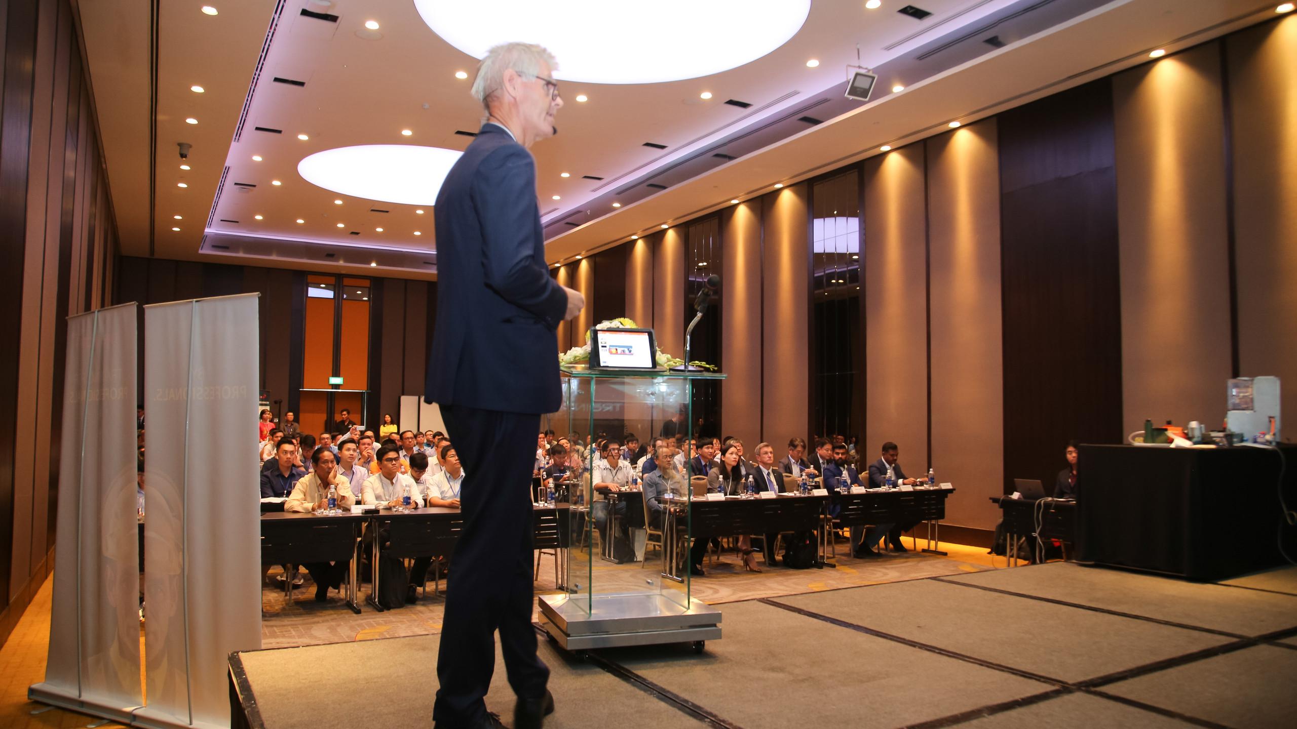 Ông Einar Thorén, Giám đốc điều hành, Trainor AS & Trainor Certification phát biểu khai mạc hội thảo. (Ảnh: Trainor)