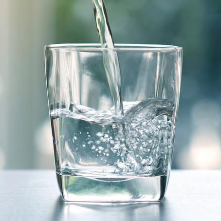 Quanta àgua devemos beber em um dia?