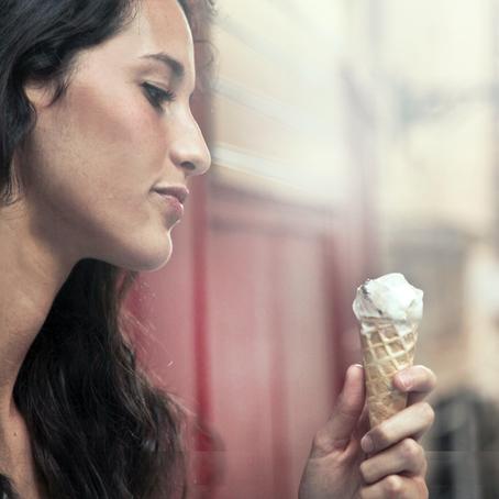 Entenda como a alimentação afeta a qualidade da pele e a produção hormonal