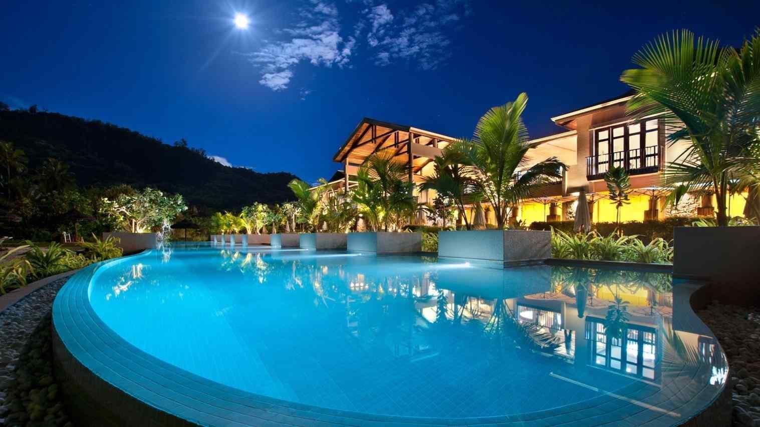 seasons-resort-blog-travel-seychelles-hotels-five-star-four-seasons-resort-blog-luxury-hotel-luxury-seychelles-hotels-five-star-hotel-banyan-tree-a.jpg
