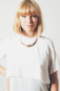 studio portrait photography, Linnea is posing for the camera.