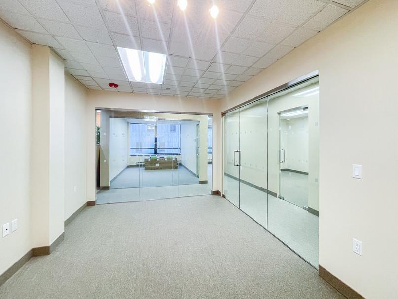 REALTY OFFICE-004.jpg