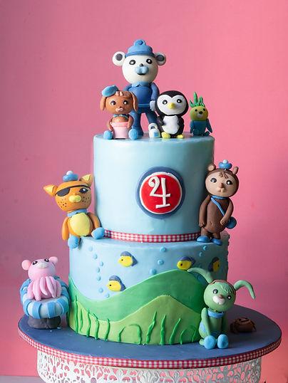 Customized cake.Facebook (1 of 1).jpg