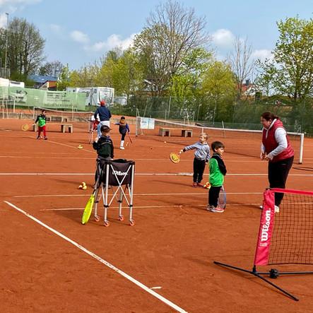 Tennis-Schnuppertag am 2. Mai war ein voller Erfolg