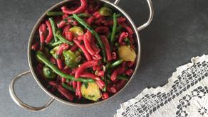 חונקי כמרים סגולים מוקפצים עם ירקות ירוקים