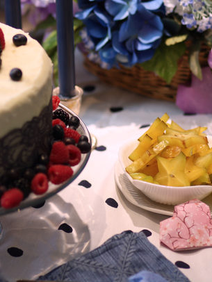 Starfruit and cake