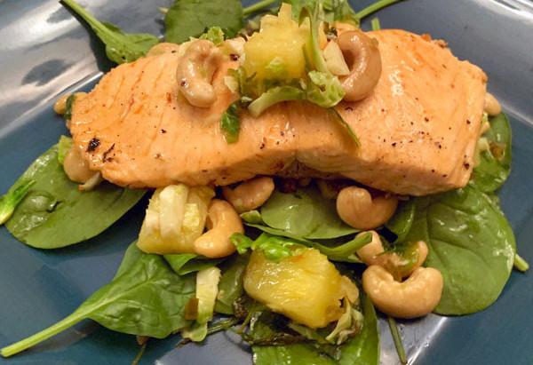 Skinfood Recipe: Spicy Salmon Superfood Salad