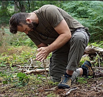 1233-bushcraft-workshop-childxl.jpg