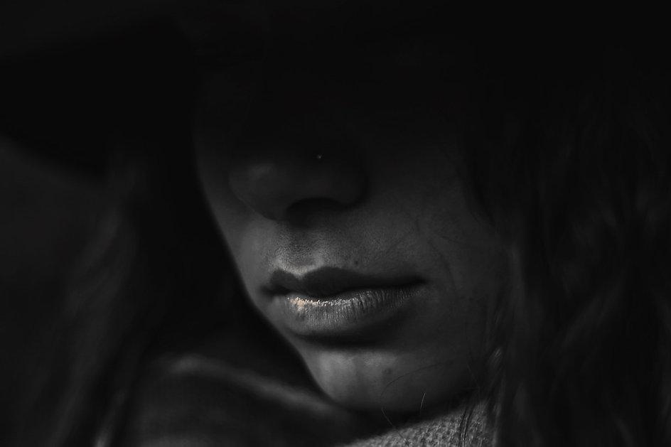 Sad-Women-Expressions-Emotions-Girl-Unha